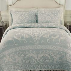LaMont Gabriella Bedspread Color: Blue, Size: Queen