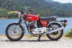 The Last Boy Scout: 1975 Norton Commando 850 Mark III - Classic British Motorcycles - Motorcycle Classics