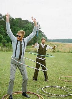 The best summer wedding lawn games. wedding games The best summer wedding lawn games Quirky Wedding, Wedding Tips, Our Wedding, Wedding Planning, Trendy Wedding, Brunch Wedding, Vintage Wedding Games, Wedding Blog, Vintage Games