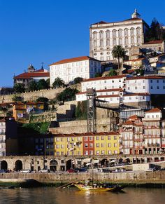 Douro River, Ribeira Area n Cathedral, Porto, Douro_ Portugal