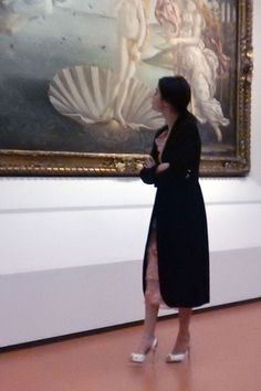 """selgomez-news: """" January 27: Selena inside The Accademia Gallery Museum in Florence, Italy [GP] """""""
