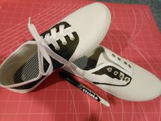Y SADDLE SHOES.give some inexpensive keds or white canvas sneakers the adorable look of old fashioned saddle shoes! Such a quirky fun idea.