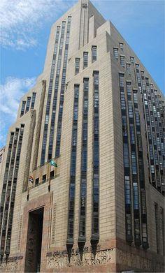 Mutual Building in Cape Town, South Africa Streamline Moderne, Art Deco Buildings, Building Art, Architecture Details, Classic Architecture, Art Deco Design, Cape Town, Cladding, Art Nouveau