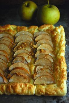Easy Ginger Asian Pear Tart -quick and delicious. So pretty an so simple! Vegan.