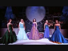 The Celtic Woman, they were so AMAZING in concert.