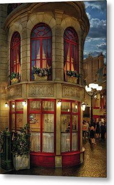 Vegas my happy place! NOT France ~ Le Café Ile St. Louis, Paris Las Vegas Hint: the fact that this looks like a bad TV set, complete with eerie painted sky Oh The Places You'll Go, Places To Travel, Places To Visit, Beautiful World, Beautiful Places, Little Paris, Belle Villa, I Love Paris, Paris Paris