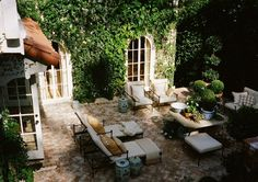 patio from designer Mark D. A charming Hollywood Hills brick lined outdoor space. A wonderful garden.the perfect backyard. Outdoor Rooms, Outdoor Gardens, Outdoor Living, Outdoor Decor, Outdoor Furniture, Outdoor Patios, Outdoor Kitchens, Hollywood Hills, West Hollywood