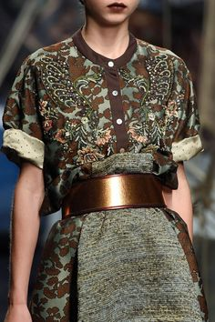 Antonio Marras at Milan Fashion Week Spring 2016 - Details Runway Photos Haute Couture Style, Couture Mode, Couture Fashion, Runway Fashion, Womens Fashion, Look Fashion, Fashion Details, World Of Fashion, High Fashion