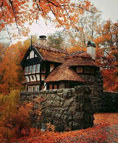 Beautiful Buildings, Beautiful Places, Simply Beautiful, Grid Architecture, Cabin In The Woods, Autumn Cozy, Autumn Fall, Autumn Witch, Autumn Scenery