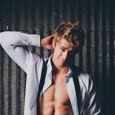 Luke Mitchell by Brenner Liana Luke Mitchell, Chaning Tatum, Actrices Sexy, Chef D Oeuvre, Raining Men, Book Boyfriends, Celebs, Celebrities, Attractive Men