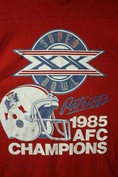 Gronk Patriots, Patriots Superbowl, New England Patriots Wallpaper, Nfl New England Patriots, Go Pats, Nfl History, Boston Sports, Vintage Football, Football Stuff