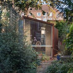 Don't Move Improve 2017 shortlist reveals London's best house extensions - - A garden studio dedicated to rug making and a sunken Japanese-style bath are among the shortlist in a competition to find London's best home extensions. London Architecture, Sustainable Architecture, Steel Frame Doors, Brick Porch, Mad About The House, Garden Workshops, Glass Extension, Shaker Style Kitchens, Clay Houses