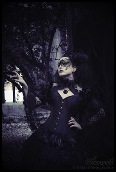 Model: Lady Amaranth Photography by Nbpix Photographie Mask: The Gothic Shop Welcome to Gothic and Amazing Goth Beauty, Dark Beauty, Gothic Mask, Gothic Photography, Hot Vampires, Steampunk, Vampire Girls, Victorian Costume, Gothic Fashion