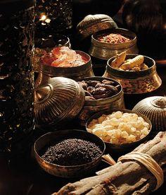 Al-Husn Souq, Salalah سوق الحسن، صلالة Dhofar Oman Wrath And The Dawn, Sultanate Of Oman, Edmund Dulac, Spices And Herbs, Muscat, Silk Road, Arabian Nights, Mets, Aladdin
