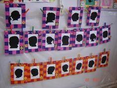 Le cadre est en carton, peint à l'éponge. Les photos de profil de chaque enfant ont été prise puis agrandies à l'ordinateur, tirées en noir et blanc et découpées dans du papier affiche noir.