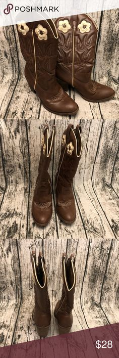 """4a2ab4e5387 Candies Cowboy Boots Cute cowboy boots with ivory flowers. Man made upper  with 3"""""""