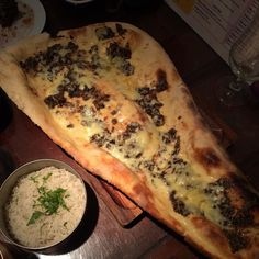 Ginormous naan - haggis and cheese @vdeep_leith - would like mine plain