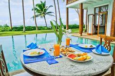 Enjoy delicious morning breakfast overlooking the ocean in Skye house.   #SkyeHouse #Villa #VillaRental #SriLanka #ExploreSrilanka #Travelling #Holiday #Spreadtheloveforsrilanka #Amazing  - Srilankajetaime.com