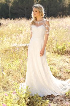 Wedding dresses by Ladybird Bridal are stylish, affordable and have the perfect fit. Also plussize sizes, vintage and bohemian bridal wedding dresses! Lace Wedding Dress, Bridal Wedding Dresses, Boho Wedding, Older Bride Dresses, Cheap Wedding Dresses Online, Bohemian Bride, Hippie Chic, Dream Dress, Marie