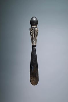Back of Massim Flying Fox Lime Spatula from John Friede Collection