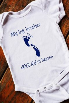 I want this for brylee! One that say big brother and one that says big sister! Baby Birthday Quotes, Brother Birthday Quotes, Big Brother Quotes, Little Boy Quotes, Custom Baby Onesies, Baby Shirts, Babies R, Cute Babies, Angel Babies