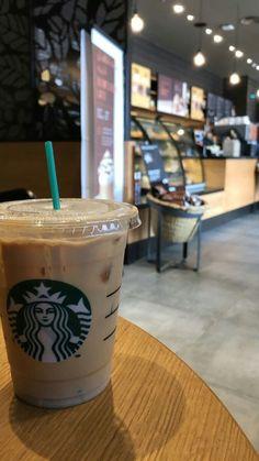 Sturbucks # Food and Drink aesthetic Starbucks Secret Menu Drinks, Starbucks Recipes, Starbucks Coffee, Coffee Photography, Food Photography, Plane Photography, Starbucks Snapchat, Bebidas Do Starbucks, Tumblr Food