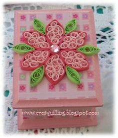 Caja con flor en filigrana
