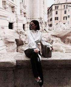 Find images and videos about girl, fashion and style on We Heart It - the app to get lost in what you love. Fashion Poses, Fall Fashion Outfits, Chic Outfits, Womens Fashion, Fashion Belts, High Fashion, Style Fashion, Rome Photography, Summer Photography