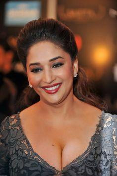 Most Beautiful Bollywood Actress, Bollywood Actress Hot Photos, Indian Bollywood Actress, Bollywood Girls, Bollywood Celebrities, Beautiful Actresses, Bollywood Images, Bollywood Bikini, Beautiful Blonde Girl
