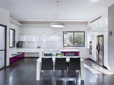 לפי כללי האנרגיה: שיפוץ בית מודרני בפרדס חנה | בניין ודיור