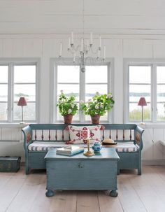 69 cottage interior everyone should try this year 65 ~ Design And Decoration Swedish Farmhouse, Swedish Cottage, Swedish Decor, Cottage Chic, Farmhouse Front, Modern Farmhouse, Swedish Interiors, Cottage Interiors, Scandinavian Cottage