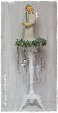 #Adventskranz #Weiss #Shabby #French #Weihnachtsdeko #ShabbyChic bei #WohngeschichtenvonK. http://de.dawanda.com/product/50604206-Adventskranz-mit-Staender