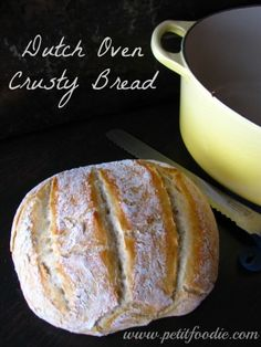Dutch oven crusty bread www.petitfoodie.com