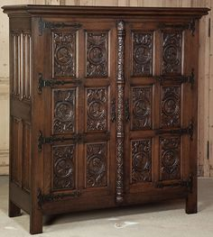 Vintage Renaissance Armoire Circa Early 1900s.   Great for a TV or storage!