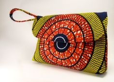 Gorgeous bags made with African Prints ! – The Style Rebels African Inspired Fashion, African Print Fashion, African Prints, African Safari, African Textiles, African Fabric, Diy Pochette, African Accessories, Men's Accessories
