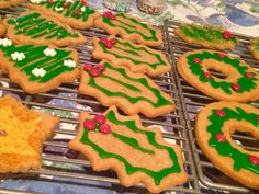 Christmas cookies...so fun to decorate!