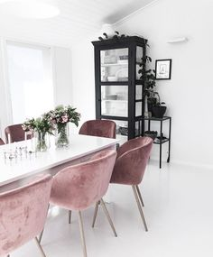 Obsessed with this dinning room