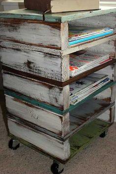 50 ideas for diy wood storage shelves pallet ideas Wood Pallet Tables, Wood Pallet Furniture, Wood Pallets, Diy Furniture, Pallet Wood, Furniture Storage, Garden Furniture, Trendy Furniture, Wood Storage Shelves