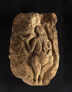 """""""Venus Cornucopia de Laussel"""" - Post do Blog da disciplina de História das Artes Visuais 1 (2015.1) - EBA/UFRJ"""