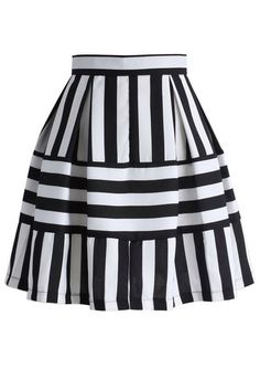 Playful Stripes A-line Skirt - Skirt - Bottoms - Retro, Indie and Unique Fashion Stripe Skirt, Pleated Skirt, Dress Skirt, Unique Fashion, Womens Fashion, Fashion Fashion, Jupe Short, Diy Mode, Led Dress