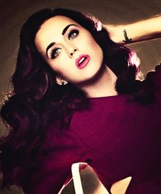 not a HUGE fan of Katy Perry but I love this shot of her. Its gorgeous. :)