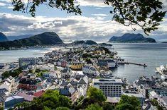 Pohled na celý Ålesund z vyhlídky Byrampen Alesund, Trondheim, Bergen, Rafting, River, Outdoor, Outdoors, Outdoor Games, Outdoor Living