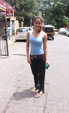 Bollywood Pictures, Bollywood Actress Hot Photos, Girl Photo Poses, Girl Photos, Ileana D'cruz Hot, Disha Patni, Hottest Photos, Alexandra Daddario, Actresses