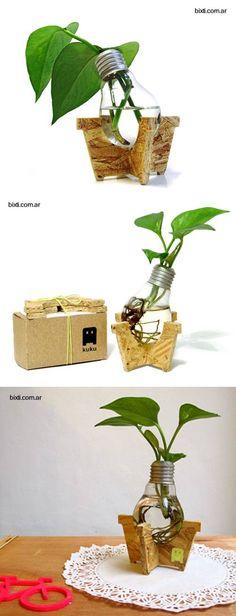 Bombillo incandescente reciclado.  Idea original y decorativa para el hogar.