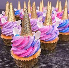 🦄 These look delicious! I could eat Anyone else? 😍 🤤 Unicorn Cake… 🦄 These look delicious! I could eat Anyone else? 😍 🤤 Unicorn Cake…,Lila's Unicorn Party 🦄 These look delicious! Unicorn Foods, Unicorn Cakes, Unicorn Head, Rainbow Unicorn, Unicorn Birthday Parties, Birthday Ideas, Birthday Cupcakes, Birthday Nails, 7th Birthday