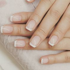 classic french nails With Glitter Summer French Nails, French Tip Nail Art, French Tip Nail Designs, Classic French Manicure, Classic Nails, Acrylic Nail Designs, French Classic, Glitter Nails, Fun Nails