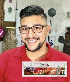 Hace un tiempo hay una muy fuerte tendencia en Diseños de Cortes con Rayas. Como hemos podido ver, el arte y la creatividad ha invadido el mundo de las cabelleras masculinas. Ya no sólo se trata de ser creativo con los cortes o colores, ahora también se incorporan los diseños con rayas! #myvishnulook #men #haircut #hairstyle #style #productos #cortedehombre #om🕉