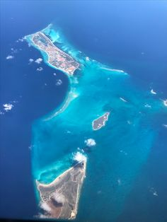 Bahamas  View from our plane of islands we flew over ✈️