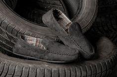 ¡OFERTA! Zapatillas estilo mocasín de andar por casa Soy Underwear en negro. SUELA ANTIDESLIZANTE. Descubre otras zapatillas en varelaintimo.com