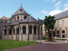 Museum met rails en kerk met vliegtuigen | Arjan den Boer
